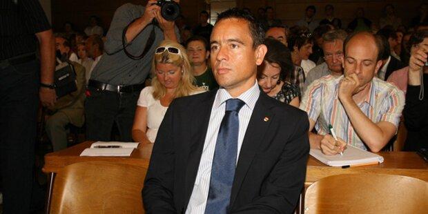 Ex-FPÖ-Chef für Rücktritt von Uwe Scheuch