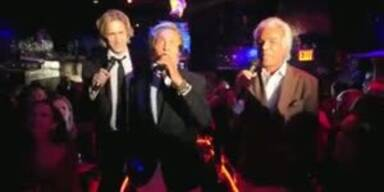 Valentino singt bei Fashion Week Karaoke