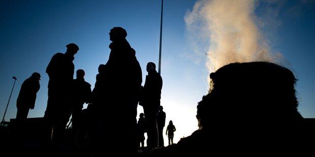 Protest-Bauern umzingeln bretonische Stadt