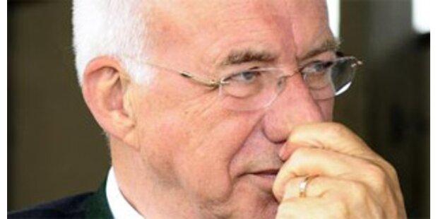 VP-Bürgermeister fordert Rücktritt Van Staas