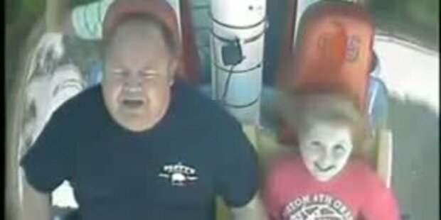 Vater gerät auf Turbo-Booster in Panik