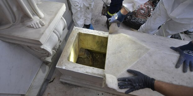 Vatikan lässt Gräber öffnen - der Inhalt sorgt für Erstaunen