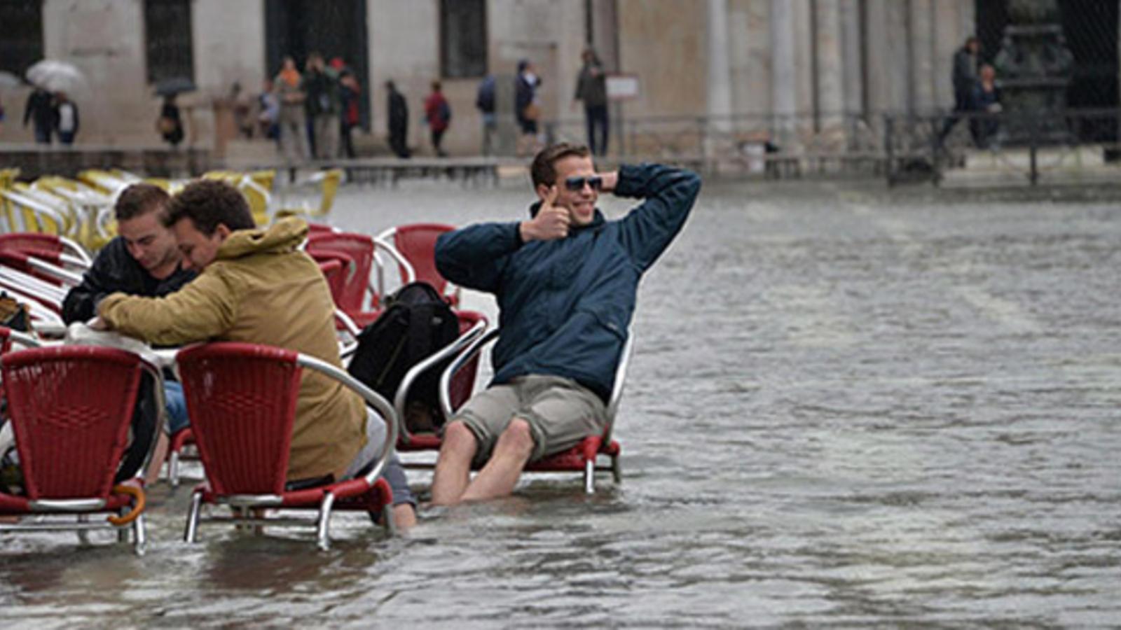 venedig hochwasser in italien