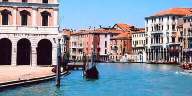 Der Canal Grande in Venedig, das normalerweise eher für seine Hochwasser bekannt ist. (c)AP