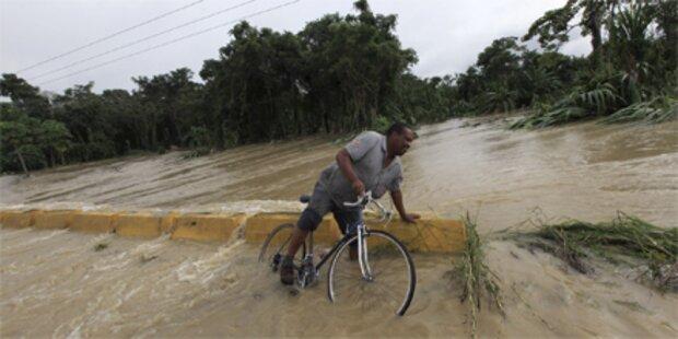 Überflutungen fordern 32 Todesopfer