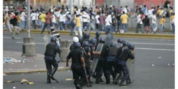 Polizei nahm Oppositions-Hochburg ein