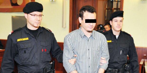 Lehrer mit 40 Stichen hingerichtet