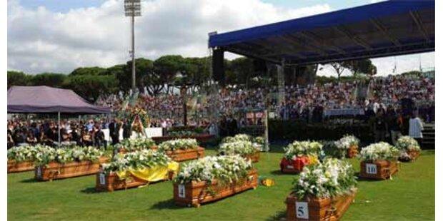 Tausende trauerten um Viareggio-Opfer