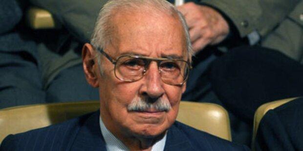 Ex-Diktator schläft während Prozess ein