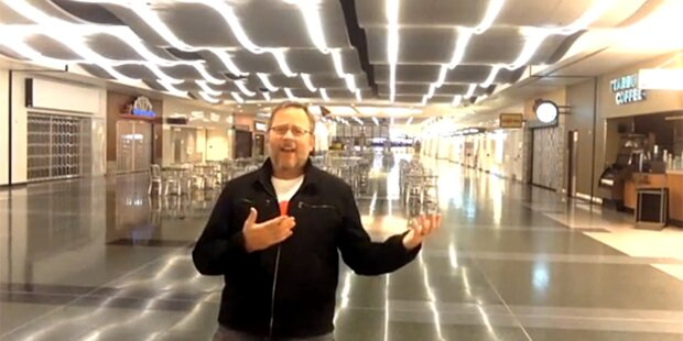 Gestrandeter Passagier entzückt mit Musikvideo