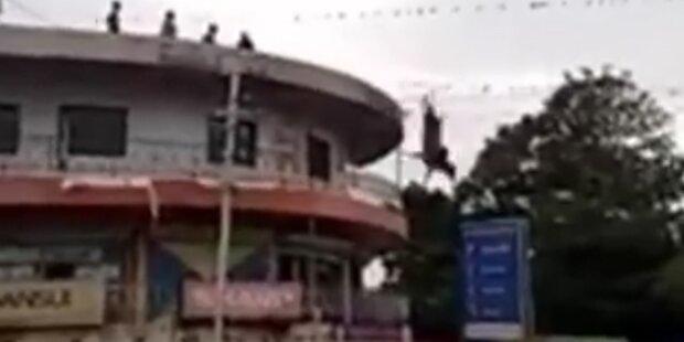 Video zeigt irren Selbstmord-Versuch einer Kuh
