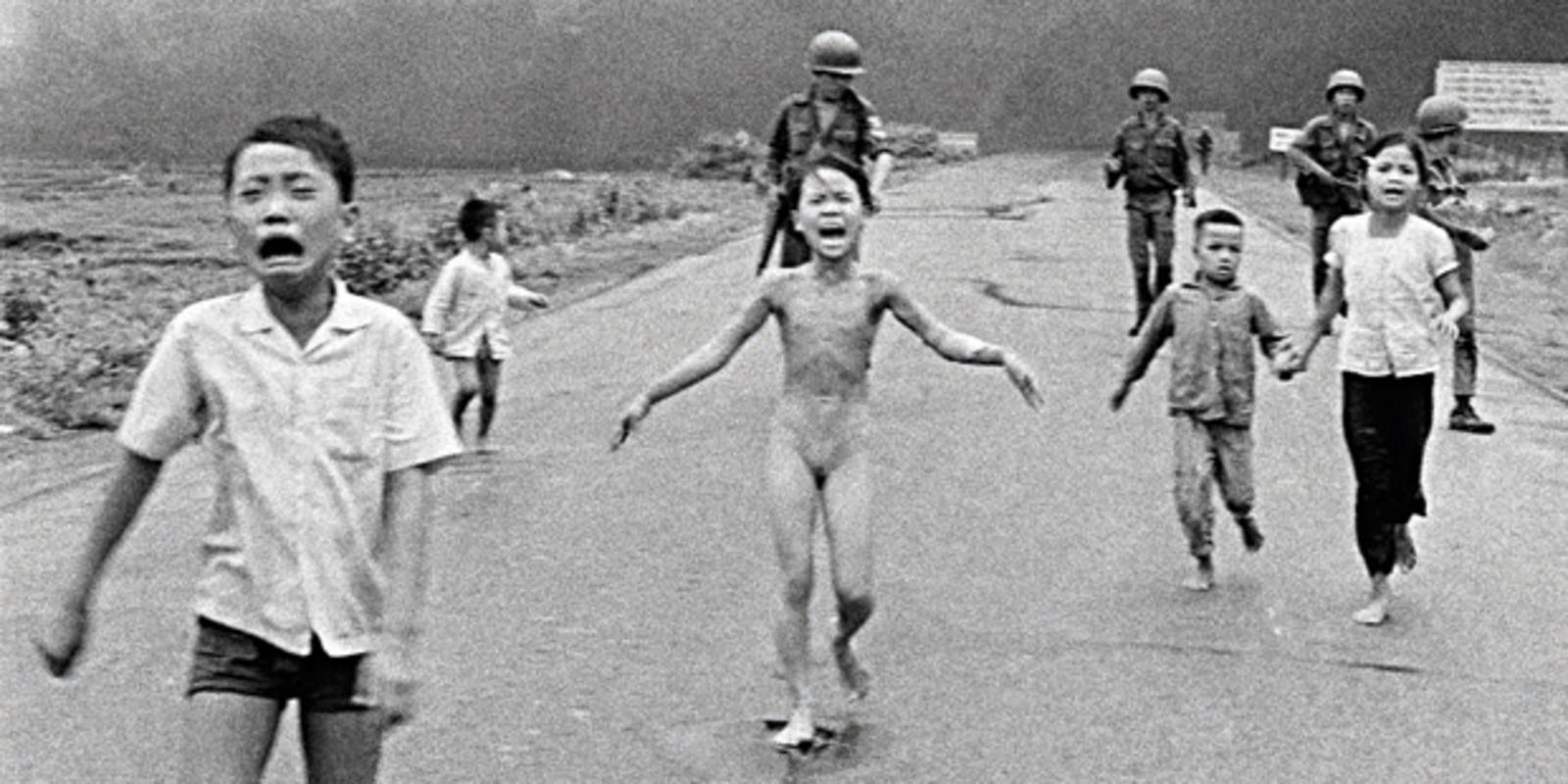 Mit 14 jahren nackt mädchen Mädchen mit