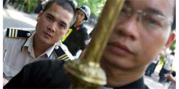 Polizei verprügelte und verhaftete Reporter