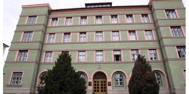 Mädchen eingesperrt: Fall vor Gericht