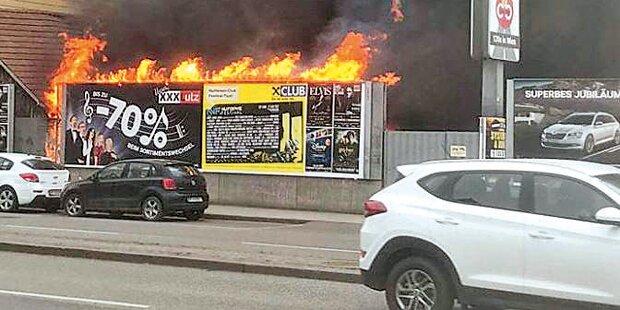 Explosion: Brandstifter-Trio am Werk