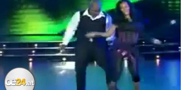 Box-Champ Mike Tyson tanzt Salsa