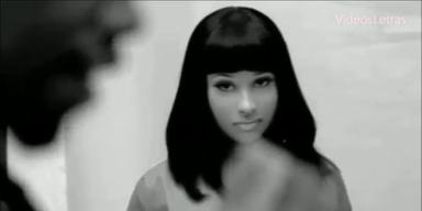 Chartstürmerin: Nicki Minaj - StarShips (official)