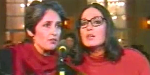 Joan Baez and Nana Mouskouri - Plaisir d'amour
