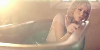 """Shakira: """"Addicted to you"""""""