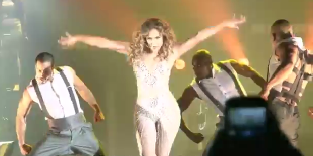 Jennifer Lopez im Fast-Nackt-Anzug