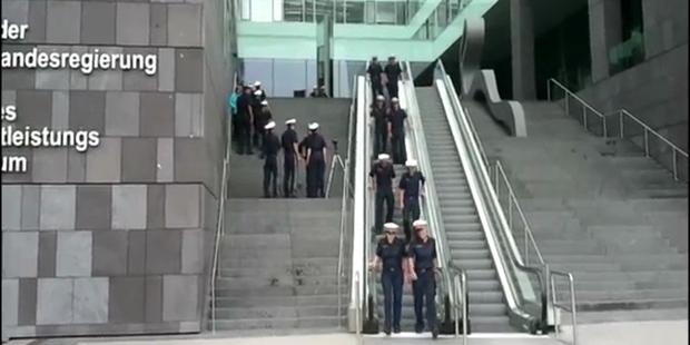 Das ganze Land lacht über ein Polizei-Video