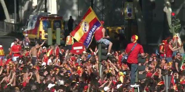 So wild feiert Spanien seine Helden