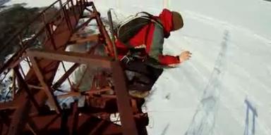 Mann überlebt Horror - Sturz aus 130 Meter