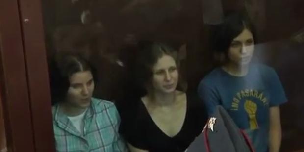 Pussy Riot-Mitglieder auf der Flucht vor Putin
