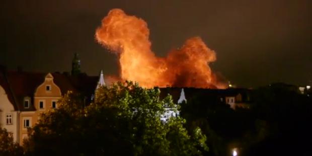 Fliegerbombe: München steht in Flammen