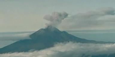 Mexiko-Stadt: Vulkan spuckt Feuer und Asche