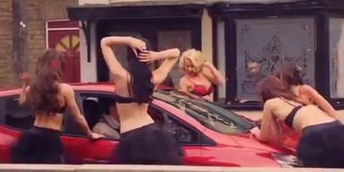 Werbung für Clio zu sexy für die Briten