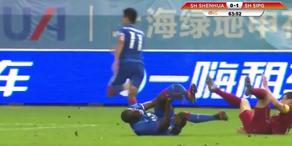 Scheckliche Spielerverletzung in der Chinesischen Liga