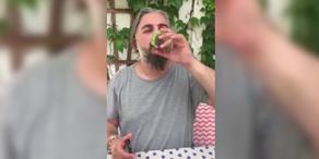Georgij Makazaria macht bei der Gurkenchallenge mit
