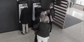 Lasst euch niemals beim Bankomaten ablenken