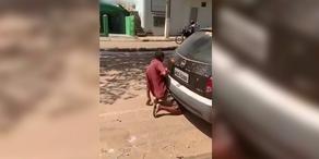 Skandal: Mann hat Sex mit Auto