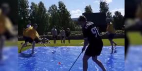 Neuer Trend gegen die Hitze: Soap Hockey