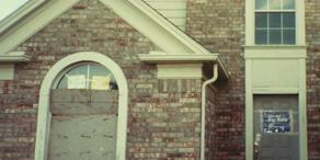 Nachbar zeigt altes Turpin-Haus