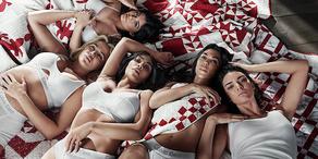 Kardashians posieren für Calvin Klein