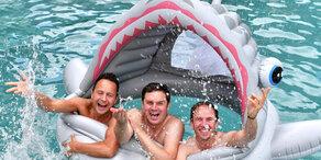 Die Jungen Zillertaler im Haifisch-Pool
