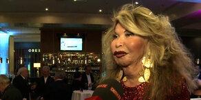 Jeannine Schiller lädt zum Neujahrs-Cocktail