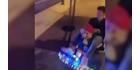"""Polizistin macht Spritztour in """"Mario-Kart"""""""