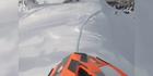 Motorradfahrer stürzt beinahe von Berg
