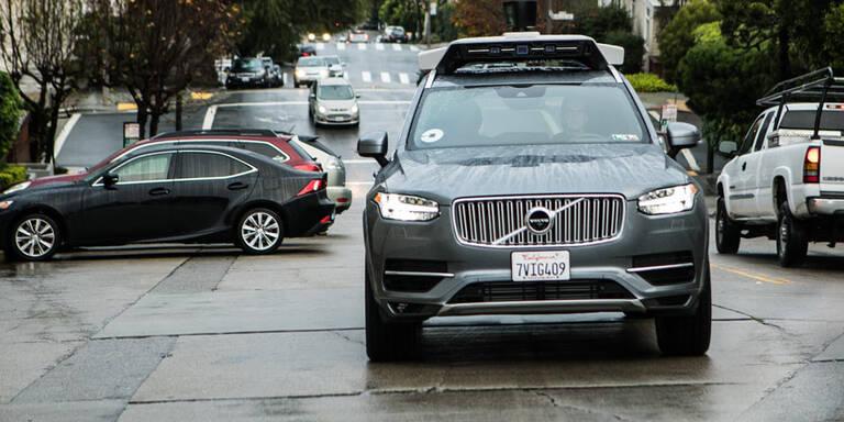 Roboterautos von Uber dürfen wieder fahren