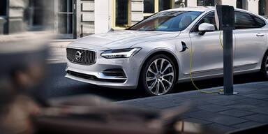 Volvo startet Hybrid- und Elektro-Offensive