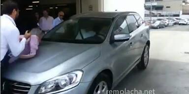 """Selbstfahrender"" Volvo überfährt Autotester"