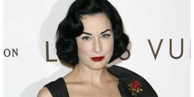 Dita von Teese ist Lugners Opernballgast