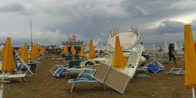 Tornado löst Panik in Lignano aus
