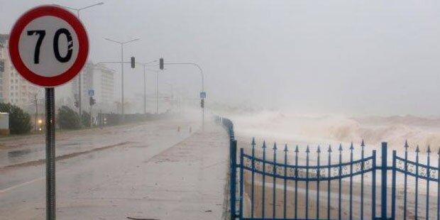 Türkische Badeorte stehen unter Wasser