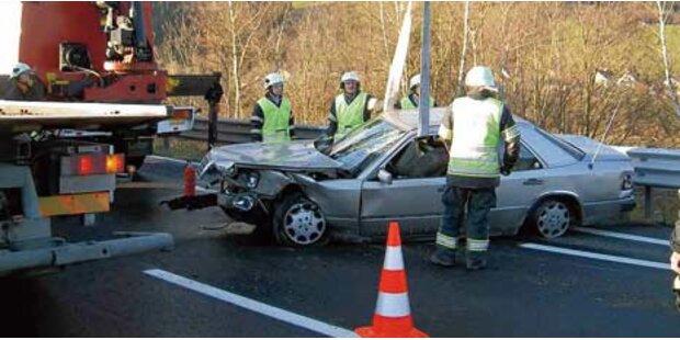 Schwerverletzter bei Unfallserie auf S6