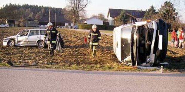 Schulbus überschlug sich: Drei Verletzte